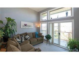 Photo 13: 408 2560 Wark St in VICTORIA: Vi Hillside Condo for sale (Victoria)  : MLS®# 727561