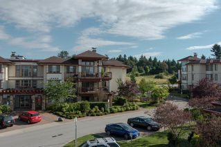 "Photo 1: 301 16477 64 Street in Surrey: Cloverdale BC Condo for sale in ""St. Andrews"" (Cloverdale)  : MLS®# R2063867"