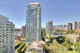 "Photo 12: 1602 1500 HOWE Street in Vancouver: Yaletown Condo for sale in ""THE DISCOVERY"" (Vancouver West)  : MLS®# R2101112"