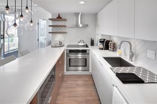 "Photo 3: 1602 1500 HOWE Street in Vancouver: Yaletown Condo for sale in ""THE DISCOVERY"" (Vancouver West)  : MLS®# R2101112"