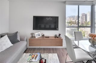 """Photo 6: 1602 1500 HOWE Street in Vancouver: Yaletown Condo for sale in """"THE DISCOVERY"""" (Vancouver West)  : MLS®# R2101112"""