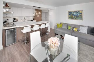 "Photo 2: 1602 1500 HOWE Street in Vancouver: Yaletown Condo for sale in ""THE DISCOVERY"" (Vancouver West)  : MLS®# R2101112"