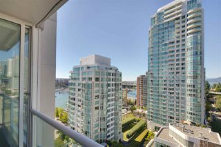 "Photo 9: 1602 1500 HOWE Street in Vancouver: Yaletown Condo for sale in ""THE DISCOVERY"" (Vancouver West)  : MLS®# R2101112"