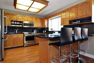 "Photo 6: 21547 87B Avenue in Langley: Walnut Grove House for sale in ""Forest Hills"" : MLS®# R2101733"