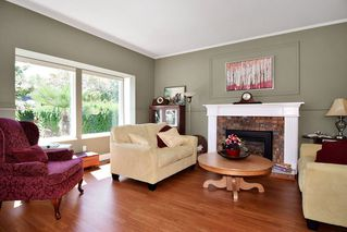 "Photo 2: 21547 87B Avenue in Langley: Walnut Grove House for sale in ""Forest Hills"" : MLS®# R2101733"