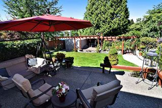 "Photo 19: 21547 87B Avenue in Langley: Walnut Grove House for sale in ""Forest Hills"" : MLS®# R2101733"