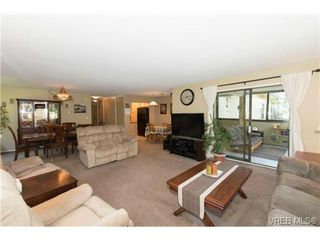 Photo 8: 401 1875 Lansdowne Rd in VICTORIA: SE Camosun Condo for sale (Saanich East)  : MLS®# 740389