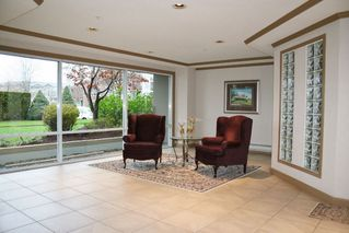 """Photo 2: 303 3190 GLADWIN Road in Abbotsford: Central Abbotsford Condo for sale in """"Regency Park"""" : MLS®# R2126083"""
