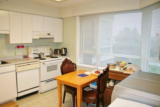 """Photo 6: 303 3190 GLADWIN Road in Abbotsford: Central Abbotsford Condo for sale in """"Regency Park"""" : MLS®# R2126083"""