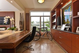 Photo 7: LA JOLLA Condo for sale : 2 bedrooms : 5480 La Jolla Blvd. #J103