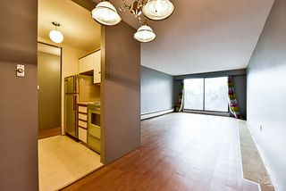 "Photo 6: 105 331 KNOX Street in New Westminster: Sapperton Condo for sale in ""WESTMOUNT ARMS"" : MLS®# R2135968"