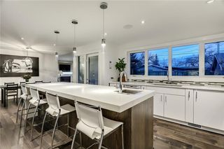 Photo 10: 2331 LINCOLN Drive SW in Calgary: North Glenmore Park House for sale : MLS®# C4109073