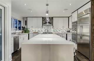 Photo 5: 2331 LINCOLN Drive SW in Calgary: North Glenmore Park House for sale : MLS®# C4109073