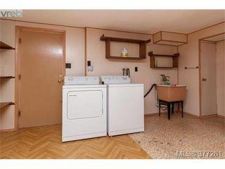Photo 15: 2734 Roseberry Ave in VICTORIA: Vi Oaklands House for sale (Victoria)  : MLS®# 757376