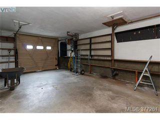 Photo 16: 2734 Roseberry Ave in VICTORIA: Vi Oaklands House for sale (Victoria)  : MLS®# 757376