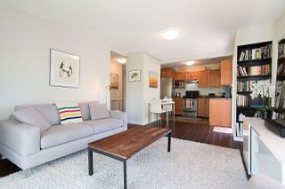 "Photo 3: 410 2920 ASH Street in Vancouver: Fairview VW Condo for sale in ""Ash Court"" (Vancouver West)  : MLS®# R2191803"