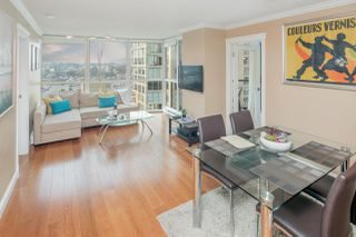 "Photo 1: 1402 907 BEACH Avenue in Vancouver: Yaletown Condo for sale in ""Coral Court on Beach Avenue"" (Vancouver West)  : MLS®# R2196740"