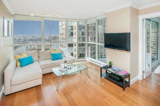 "Photo 4: 1402 907 BEACH Avenue in Vancouver: Yaletown Condo for sale in ""Coral Court on Beach Avenue"" (Vancouver West)  : MLS®# R2196740"