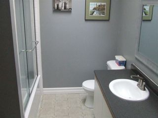 "Photo 10: 906 1750 MCKENZIE Road in Abbotsford: Poplar Townhouse for sale in ""ALDERGLEN"" : MLS®# R2197839"