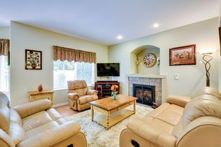 Photo 11: 19115 Doerksen Drive in Pitt Meadows: Central Meadows House for sale : MLS®# R2194035