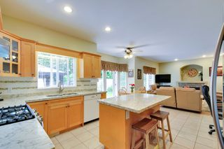 Photo 9: 19115 Doerksen Drive in Pitt Meadows: Central Meadows House for sale : MLS®# R2194035