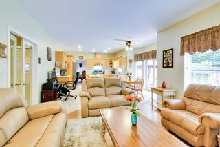Photo 12: 19115 Doerksen Drive in Pitt Meadows: Central Meadows House for sale : MLS®# R2194035
