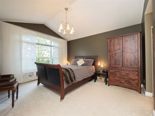 "Photo 10: 8 6513 200 Street in Langley: Willoughby Heights Townhouse for sale in ""Logan Creek"" : MLS®# R2213633"