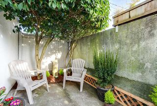 "Photo 1: 102 120 W 17TH Street in North Vancouver: Central Lonsdale Condo for sale in ""THE OLD COLONY"" : MLS®# R2216261"