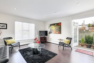 "Photo 3: 102 120 W 17TH Street in North Vancouver: Central Lonsdale Condo for sale in ""THE OLD COLONY"" : MLS®# R2216261"