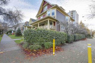 """Photo 2: 1060 CARDERO Street in Vancouver: West End VW Townhouse for sale in """"COMOX & CARDERO"""" (Vancouver West)  : MLS®# R2224389"""