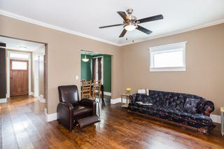 Photo 3: 301 Clarence Avenue North in Saskatoon: Varsity View Residential for sale : MLS®# SK719651