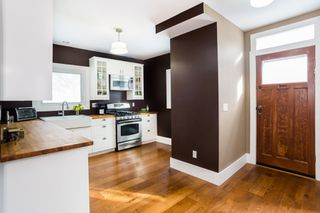 Photo 8: 301 Clarence Avenue North in Saskatoon: Varsity View Residential for sale : MLS®# SK719651