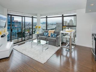 """Photo 6: 1108 1068 W BROADWAY in Vancouver: Fairview VW Condo for sale in """"The Zone"""" (Vancouver West)  : MLS®# R2257240"""