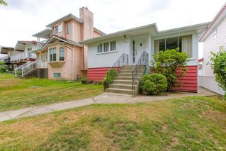 """Photo 2: 3224 E 27TH Avenue in Vancouver: Renfrew Heights House for sale in """"RENFREW HEIGHTS"""" (Vancouver East)  : MLS®# R2284419"""