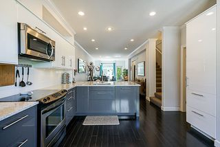 """Photo 15: 17 15192 62A Avenue in Surrey: Sullivan Station Townhouse for sale in """"St. James Gate"""" : MLS®# R2291689"""