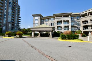 "Photo 20: 406 10533 UNIVERSITY Drive in Surrey: Whalley Condo for sale in ""Parkview"" (North Surrey)  : MLS®# R2300416"