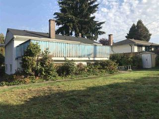 Photo 2: 4910 LAUREL Street in Burnaby: Greentree Village House for sale (Burnaby South)  : MLS®# R2317589