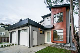 Photo 2: 7430 CANADA Way in Burnaby: East Burnaby House 1/2 Duplex for sale (Burnaby East)  : MLS®# R2345839