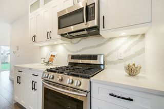 Photo 9: 7430 CANADA Way in Burnaby: East Burnaby House 1/2 Duplex for sale (Burnaby East)  : MLS®# R2345839