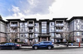 "Main Photo: 102 33338 MAYFAIR Avenue in Abbotsford: Central Abbotsford Condo for sale in ""The Sterling"" : MLS®# R2345283"