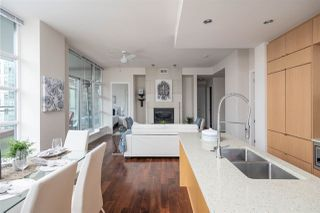 """Photo 8: 1401 1205 HOWE Street in Vancouver: Downtown VW Condo for sale in """"Alto"""" (Vancouver West)  : MLS®# R2348347"""
