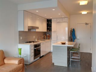 "Photo 3: 214 1628 W 4TH Avenue in Vancouver: False Creek Condo for sale in ""RADIUS"" (Vancouver West)  : MLS®# R2349036"
