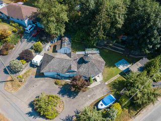 "Main Photo: 45942 SLEEPY HOLLOW Road: Cultus Lake House for sale in ""Cultus Lake"" : MLS®# R2352806"