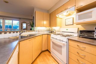"Photo 12: 686 W 7TH Avenue in Vancouver: Fairview VW Townhouse for sale in ""LIBERTE"" (Vancouver West)  : MLS®# R2366957"