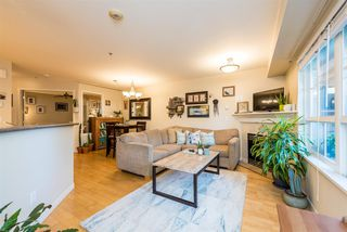 "Photo 5: 686 W 7TH Avenue in Vancouver: Fairview VW Townhouse for sale in ""LIBERTE"" (Vancouver West)  : MLS®# R2366957"