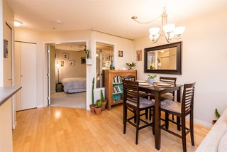 "Photo 10: 686 W 7TH Avenue in Vancouver: Fairview VW Townhouse for sale in ""LIBERTE"" (Vancouver West)  : MLS®# R2366957"