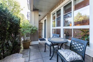 "Photo 4: 686 W 7TH Avenue in Vancouver: Fairview VW Townhouse for sale in ""LIBERTE"" (Vancouver West)  : MLS®# R2366957"