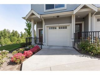 "Photo 3: 11 7198 179 Street in Surrey: Cloverdale BC Townhouse for sale in ""WALNUTRIDGE"" (Cloverdale)  : MLS®# R2366816"