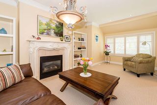 Photo 2: 6907 CYPRESS Street in Vancouver: Kerrisdale House for sale (Vancouver West)  : MLS®# R2368930