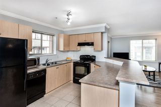 """Photo 6: 2421 244 SHERBROOKE Street in New Westminster: Sapperton Condo for sale in """"COPPERSTONE"""" : MLS®# R2369806"""